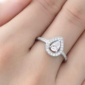 925 Sterling Silver 0.75 Carat Pear Cut Cubic Zirconia Ring